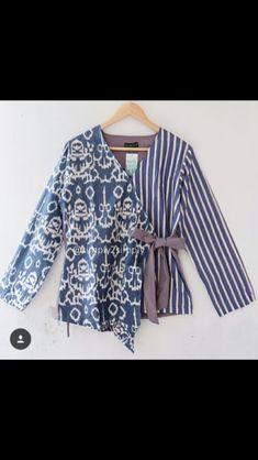 Batik Fashion, Hijab Fashion, Korean Fashion, Fashion Outfits, Womens Fashion, Emo Outfits, Fashion Ideas, Blouse Batik, Batik Dress