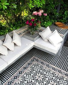 Outdoor Tiles, Outdoor Rooms, Outdoor Gardens, Outdoor Living, Outdoor Decor, Moroccan Garden, Garden Nook, Garden Tiles, Deco Restaurant