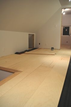 DIY plywood floors : great blog with good tips.