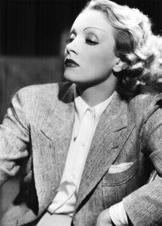 marlene dietrich didn't like her nose and usually used makeup, lighting and angle to make it appear long and straight