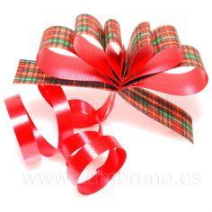 Busca el código E634041 en www.zambruno.com, y a disfrutar del #lazo para los #Regalos de #Navidad y #Manualidades #DIY. Siguenos en @ZambrunoSA y en http://www.facebook.com/almaceneszambruno