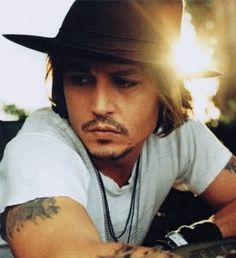 Johnny had her name tattooed on the left side of his chest close to his Johnny Depp Tattoos One of the most versatile heroes of Hollywood i. Winona Ryder, Johnny Depp Chocolat, Gorgeous Men, Beautiful People, Bodies, Johny Depp, Don Juan, Raining Men, Famous Faces