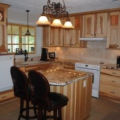 Kitchen Remodel With Hickory Cabinets And Gold/Silver Granite By Hatchett  Design/Remodel