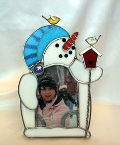 Custom Made Snowman And Birdhouse Stained Glass Picture Frame Stained Glass Frames, Stained Glass Ornaments, Stained Glass Christmas, Stained Glass Projects, Stained Glass Art, Fused Glass, Glass Art Pictures, Glass Picture Frames, Quilted Ornaments