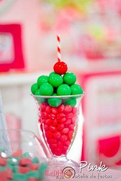 Amor a primeira vista por esta Festa Magali!!Imagens Pink Atelie de Festas.Lindas ideias e muita inspiração!Bjs, Fabíola Teles.Mais ideias lindas: Pink Atelie de Festas....