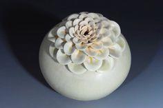 Porcelain Ceramic Vase in Green Gold   Lotus от WhiteEarthStudio, $120.00