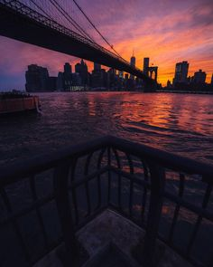 Best moment of yesterday by @nycneversleeps Sunset Photography, Landscape Photography, Cool Pictures, Cool Photos, Grand Canyon, Les Continents, City Vibe, City Aesthetic, Dream City