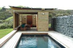 A Poolhouse as Holiday Retreat: Herbst Architects in New Zealand Gardenista