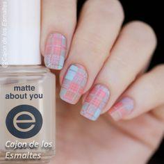 Tartan nail art - Pantone colors 2016