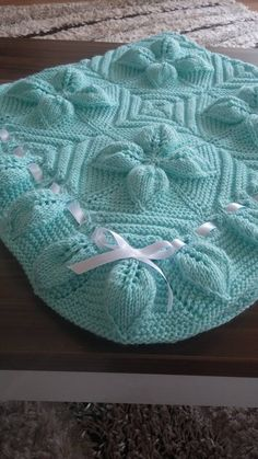 Discover thousands of images about 5 Swollen Baby Blanket Pattern - Leafy Blanket Pattern - Knittting Crochet - Knittting Crochet Leaf Knitting Pattern, Love Knitting Patterns, Knitting Terms, Crochet Blanket Patterns, Knitting Stitches, Baby Patterns, Easy Knit Baby Blanket, Knitted Baby Blankets, Crochet Table Runner Pattern