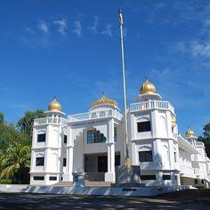 The majestic Gurdwara Sahib in Labuan, Golden Temple, Amritsar, Borneo, Asia, Mansions, House Styles, Design, Manor Houses