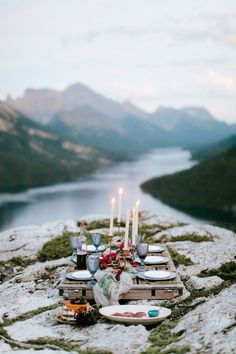 Intimate mountaintop picnic at Mountaintop Wedding | Image by  Genevieve Renee Photographie