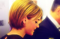 emma watson growing out her pixie