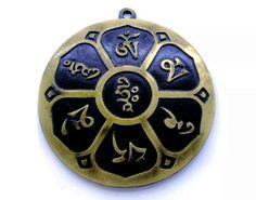 1446c4ea4c3 Pantáculo Om Mani Padme Hum Ouro Velho Significado  O mantra OM MANI PADME  HUM