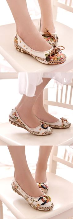 Bowknot Button Flower Small Wooden Decoration Slip On Flat Loafers is cheap and comfortable. There are other cheap women flats and loafers online. Pretty Shoes, Beautiful Shoes, Cute Shoes, Me Too Shoes, Sock Shoes, Shoe Boots, Women's Shoes, Fashion Shoes, Fashion Accessories
