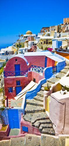 Colorful village of Oia at Santorini island in Greece | 10 Breathtaking Photos of World's Most Romantic Island