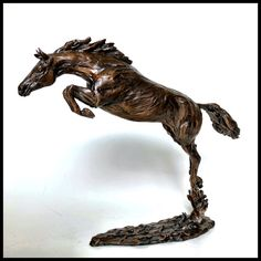 « Solo » Lost wax bronze casting by Marcela Ganly #sculpture #art #artist #horse #horsejumping #showjumping #equine #marcelaganly