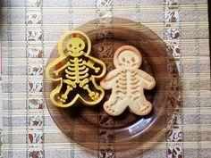Skeleton cookie cutter. Via en.DaWanda.com.