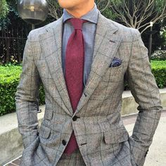 B&R chambray with an unstructured cutaway collar