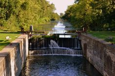 6. Hennepin Canal - 11 Incredible Hikes Under 5 Miles Everyone in Illinois Should Take