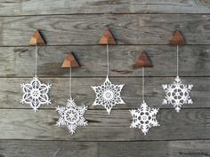 Christmas decoration - holiday home decor - wall decor - crochet snowflake and wood ornaments for home - set of 5