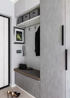 Bedroom Closet Design, Home Room Design, Bathroom Interior Design, Front Entryway Decor, Home Entrance Decor, Entryway Ideas, Hallway Furniture, Home Decor Furniture, Flur Design