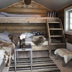 Cosy country cabin rooms - Would make a nice bunk house