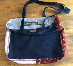 Hand-loomed fabric, traditional flannel, combined with irregular denim and lined for a larget tote, 60 euros Your Boyfriend, Boyfriend Jeans, Diaper Bag, Flannel, Traditional, Denim, Fabric, Bags, Fashion