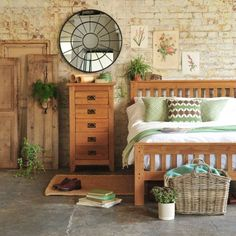 Oakland bedroom collection country style bedroom by the cotswold company country wood wood effect Wood Bedroom Sets, Oak Bedroom Furniture, Country Furniture, Home Furniture, Bedroom Decor, Rustic Bedrooms, Wooden Furniture, Master Bedroom, Bedroom Green