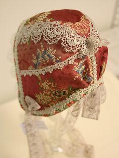 Bilder: Dåpsluer - www.toveaasland.com Baby Bonnets, Kappor, Captain Hat, Dolls, Hats, Patterns, Bracelets, Shoe, Pictures
