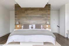 Wood panel accent wall bedroom accent wall ideas different ways to cover your walls in wood . Accent Wall Bedroom, Home, Elegant Bedroom, Small Bedroom Decor, Bedroom Decorating Tips, Contemporary Bedroom, Scandinavian Design Bedroom, Bedroom Wall, Rustic Bedroom