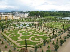 Jardin Versalles en Francia uno de los jardines mas bellosby elegantes del mundo.