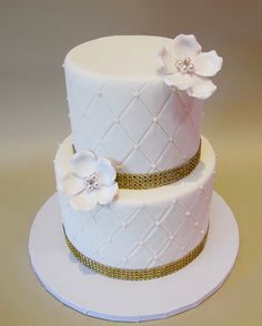 Quilted fondant with pearls and gold bling