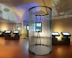 """""""The destruction and reconstruction of the Royal Castle in Warsaw"""" is one of the eight permanent exhibitions at the Royal Castle in Warsaw, Poland. The space of this multimedia exhibition was arranged in an interesting and unconventional way, among others, through a semi-circular glass partitions made of toughened profiled glass Pilkington Profilit™ Slim Line."""