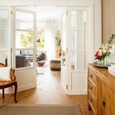 Натуралистичный, яркий дизайн большой квартиры в Испании