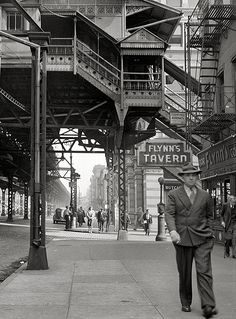 """September, 1942, 3rd Avenue & 18th St. The old """"El."""""""