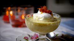 Ovos nevados com creme inglês e praliné: veja a receita de Rachel Khoo - Receitas - GNT
