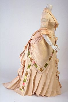Evening dress, ca 1878. I love the trim on the sides!