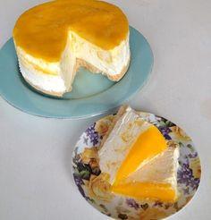 Mango ijstaart recept - Taart - Eten Gerechten - Recepten Vandaag Cupcake Recipes, Dessert Recipes, Ice Cake, Sandwich Cake, Tasty, Yummy Food, Sweet Pie, Frozen Cake, Mini Foods