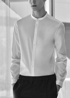 The latest fashion trends White Shirt Outfits, White Shirt Men, White Shirts, Men Shirt, Latest Fashion Trends, Fashion Brands, Groom Shirts, Minimalist Fashion Women, Collor