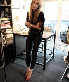 A TOUCH OF RED - Look De Pernille