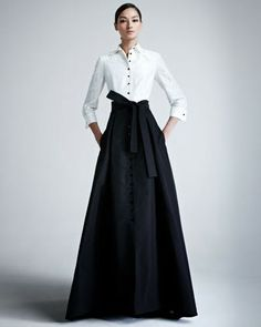 I lobe this look. Classic and sexy #itsagirlthing carolina herrera evening gowns - Google Search