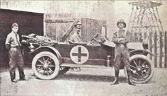 Ambulance used by South African medical corps, World War 1. Ambulance utilisée par le corps médical sud-africaine, guerre mondiale 1