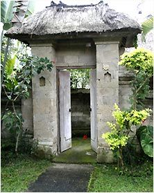 Balinese home entry gate