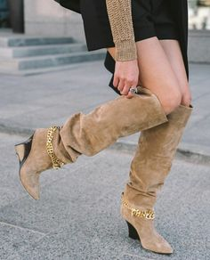 FASHION BOOTS Fashion Stylist, Fashion Boots, Must Haves, Knee Boots, Shoes, Instagram, Zapatos, Shoes Outlet, Footwear