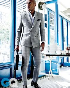 French Kicks: Thierry Henry in Spring's Best Slim French Suits Gentleman Mode, Gentleman Style, Sharp Dressed Man, Well Dressed Men, Mens Fashion Suits, Mens Suits, Men's Fashion, Costume Gris, Gq Magazine