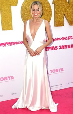 Margot Robbie in a plunging white Michael Lo Sordo gown Margot Robbie Style, Margot Elise Robbie, Margo Robbie, Red Wedding Dresses, Event Dresses, Designer Wedding Dresses, Wedding Gowns, Jane Porter, Sharon Tate