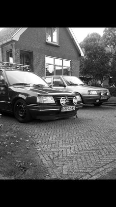 Me and my dad. 2 times a 309's but both a D ifferent style  #peugeot #peugeot309 #309