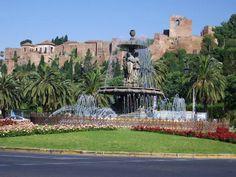Bezienswaardigheden Malaga. Het Moorse Fort Alcazaba bevindt zich in het centrum van de stad Malaga. Een schitterend hoogtepunt van je stedentrip. http://www.reisgidsmalaga.nl