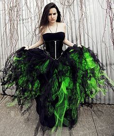 Gothic Black and Green Colonial Period Dress Gown Reenactment ...